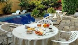 Chez Les Rois Bed & Breakfast
