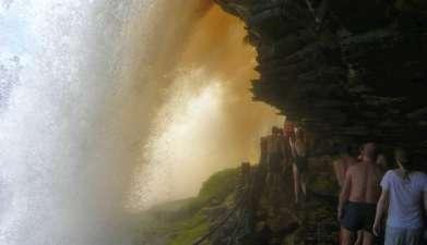 Exkursion zum Wasserfall El Sapo