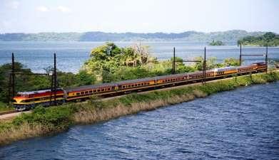 Zugfahrt von Panama (Pazifik) nach Colón (Atlantik)