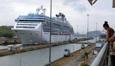 Besuch der Miraflores Schleusen am Panamakanal
