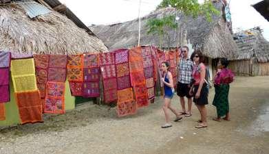 Besuch des Guna-Dorfes Playón Chico