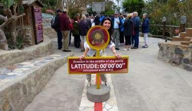 Besuch des Äquatordenkmals ``Mitad del Mundo``