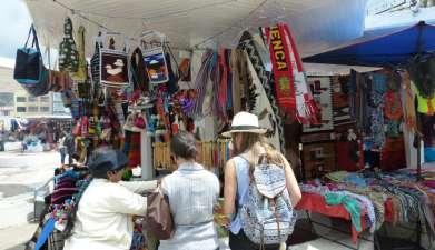 Besuch des Marktes von Otavalo