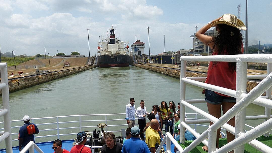 Tag 2 Panama Stadt: Teildurchquerung des Panamakanals