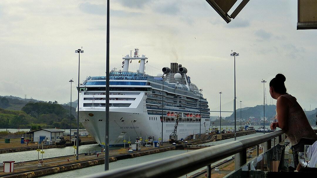 Tag 2 Panama Stadt: Stadtbesichtigung und Miraflores Schleusen