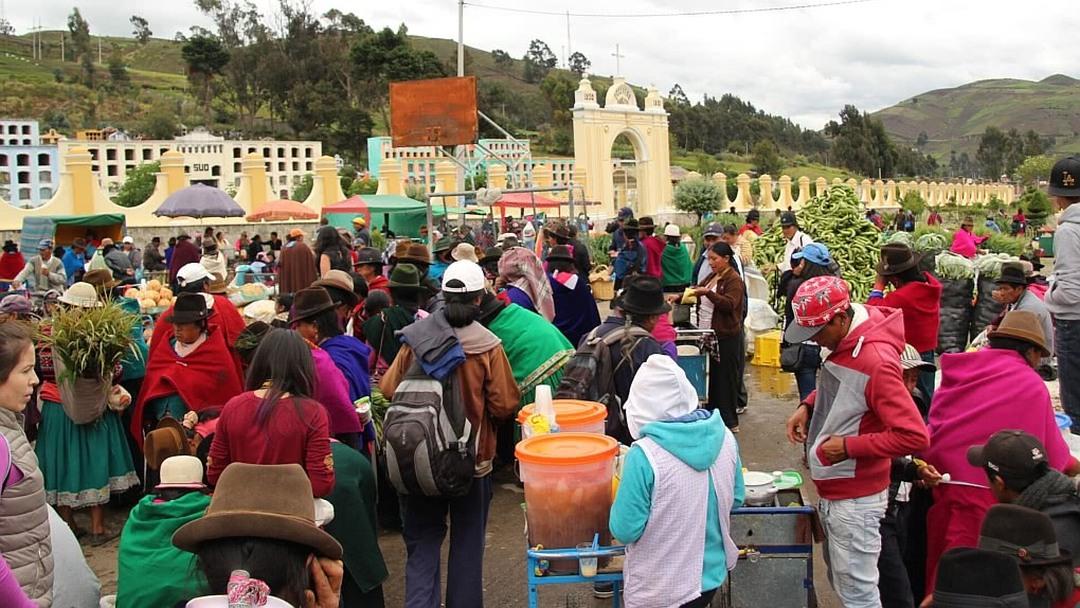 Tag 9 (Donnerstag) Guamote-Markt und Zugfahrt Teufelsnase