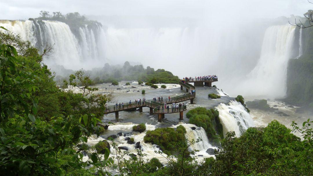 Tag 3 Buenos Aires-Puerto Iguazú: Besichtigung der Wasserfälle in Brasilien