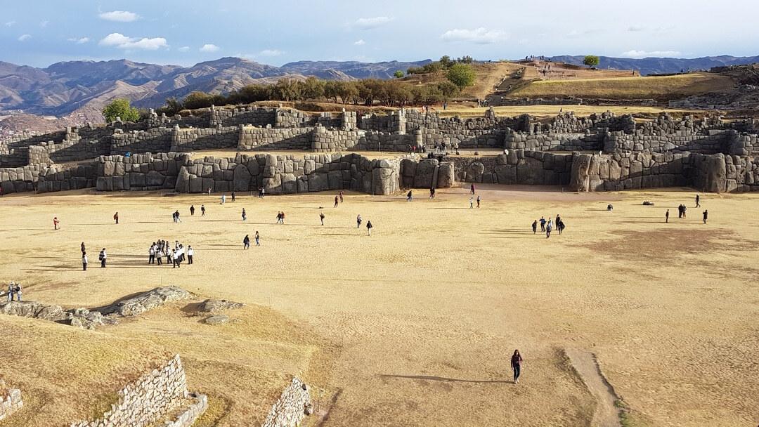 Tag 4 Valle Sagrado-Cuzco: Besichtigung Pisac Markt und Ruinen bei Cuzco
