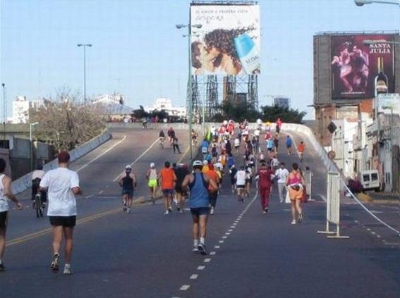Buenos Aires Marathon - die einzige Steigung