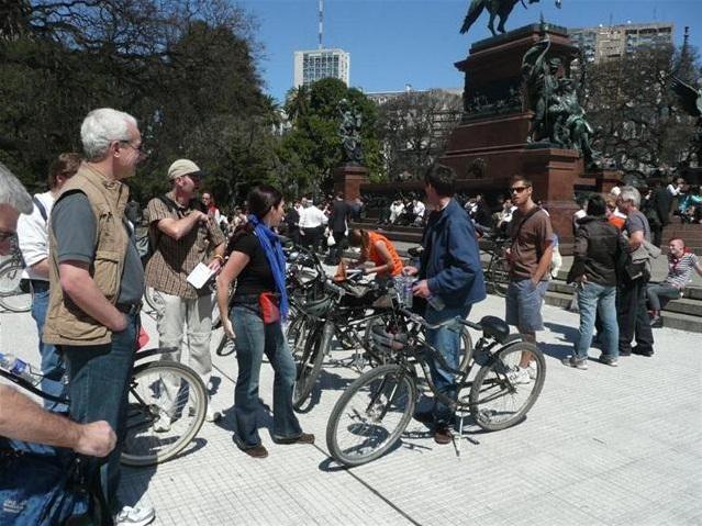 Start der Bike Tour auf der Plaza San Martín