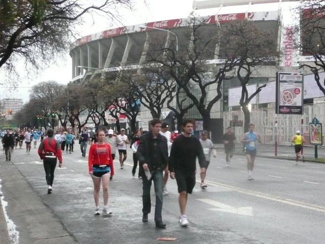 Der Start erfolgte am Stadion von River Plate