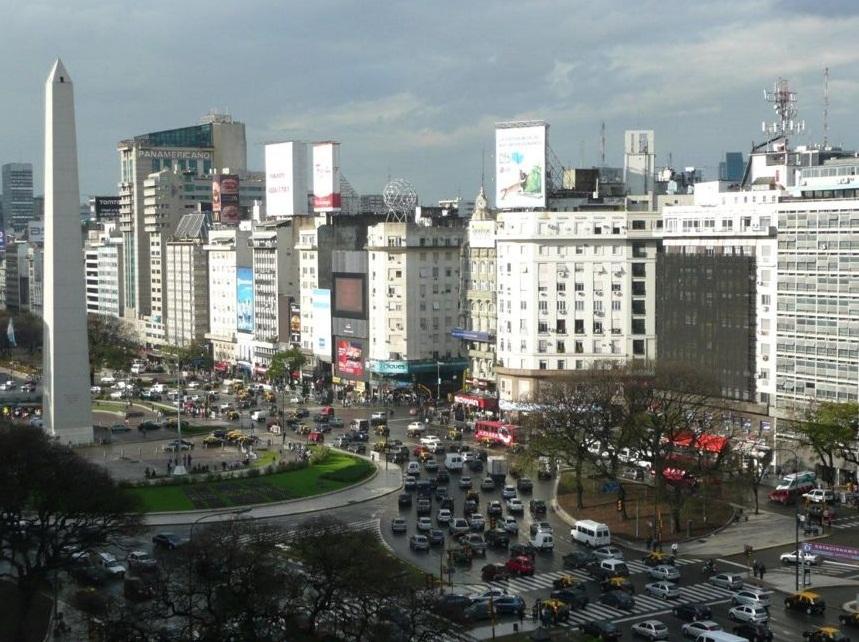 Blick aus unserem Hotel in Buenos Aires auf das Wahrzeichen der Stadt