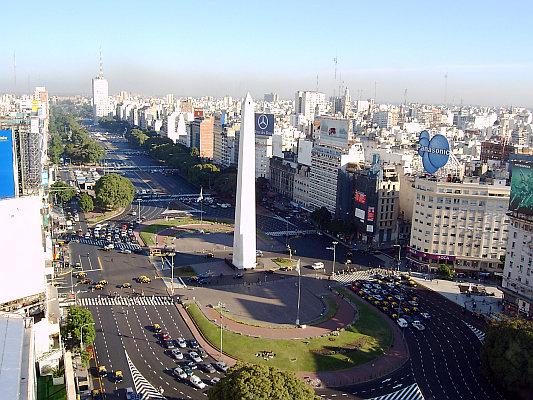 Obelisk und Avenida 9 de Julio, Buenos Aires, Argentinien