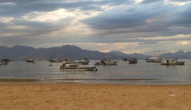 Boote vor der Ilha Grande