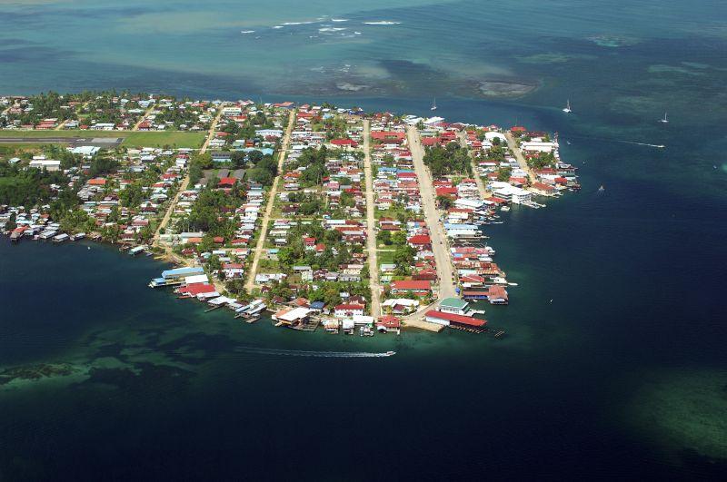 Luftaufnahme Isla Colon, Bocas del Toro, Panama