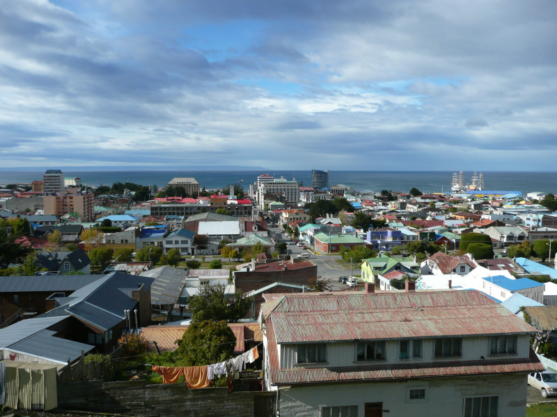 Blick auf Punta Arenas und die Magellanstraße, Punta Arenas, Chile