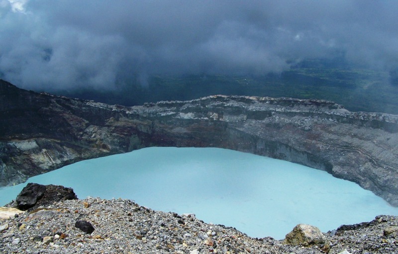 Süuresee im Krater Vulkan Rincón de la Vieja, Costa Rica