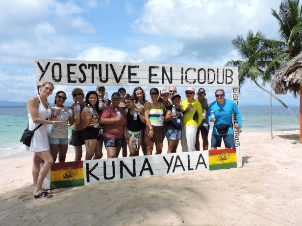 Unser Partnerbüro bei einem Ausflug auf die San Blas Inseln