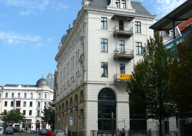 Reallatino Tours Büro in der Otto-Schill-Straße 1